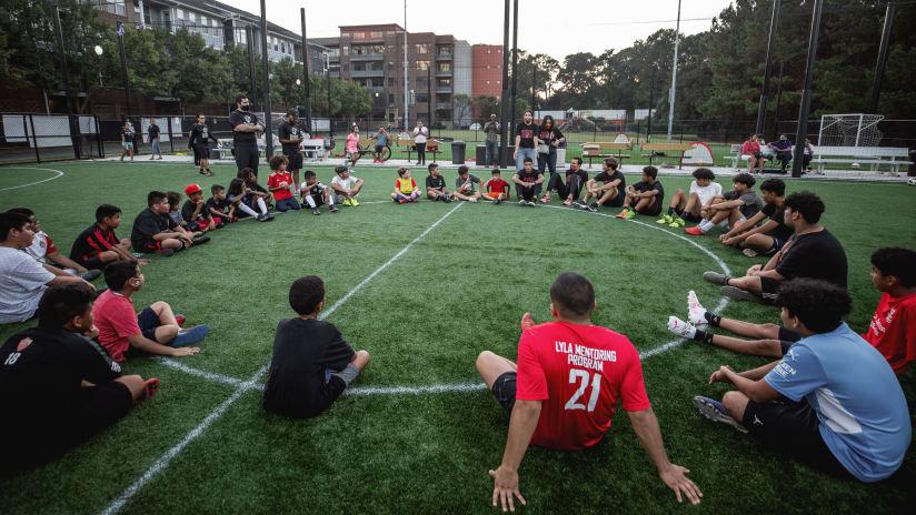 Atlanta United Players Santiago Sosa, Erick Torres, Erik Lopez Surprise Students During Soccer In The Streets Practice