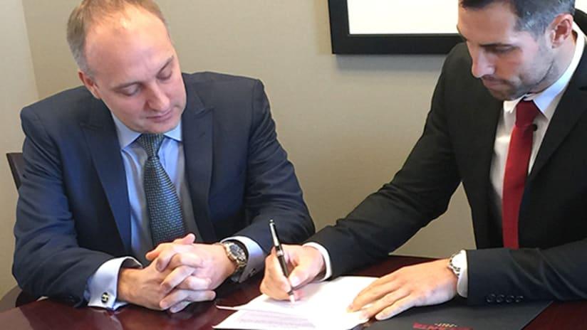 bocanegra signing