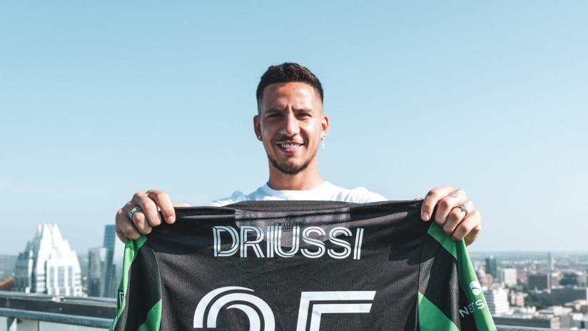 072921_Driussi-Signing_LOAYZA-5