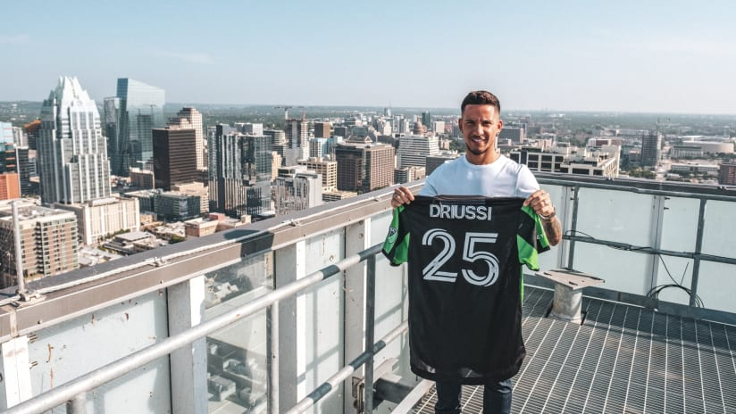 072921_Driussi-Signing_LOAYZA-3
