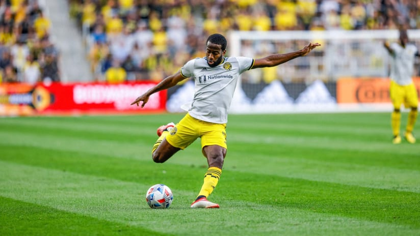 Columbus Crew provides injury update on midfielder Kevin Molino