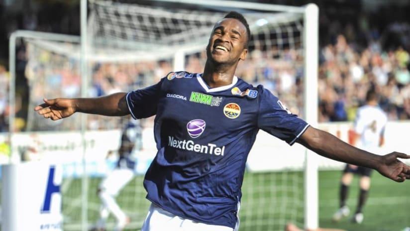 Ola Kamara goal celebration