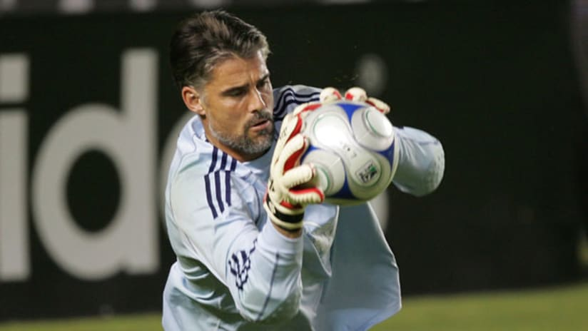 Houston keeper Pat Onstad is also an executive member of the players' union.