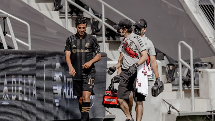 Carlos Vela Walks Off Field Trainers Injury LAFC vs GAL 200822 IMG