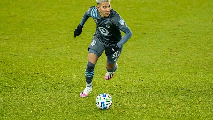 Reynoso on the ball