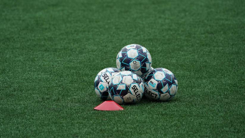 USL League One balls (2021)