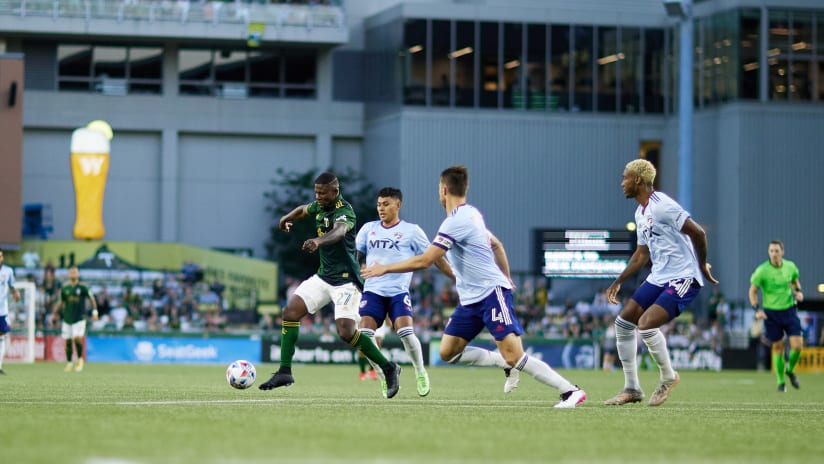 Night in Pictures | Timbers defeat Dallas on summer eve at Providence Park