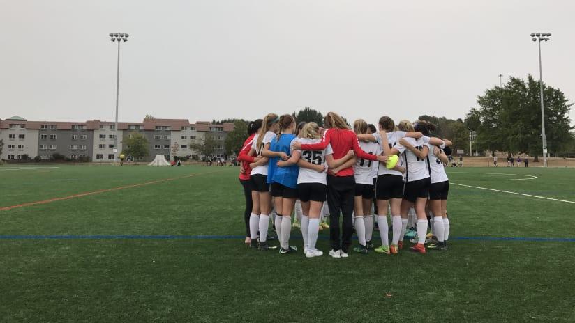 Thorns Academy, U-17s huddle, 09.17.17