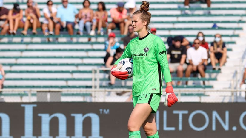 WATCH   Thorns' Bella Bixby wins NWSL Save of the Week for her stop against NC