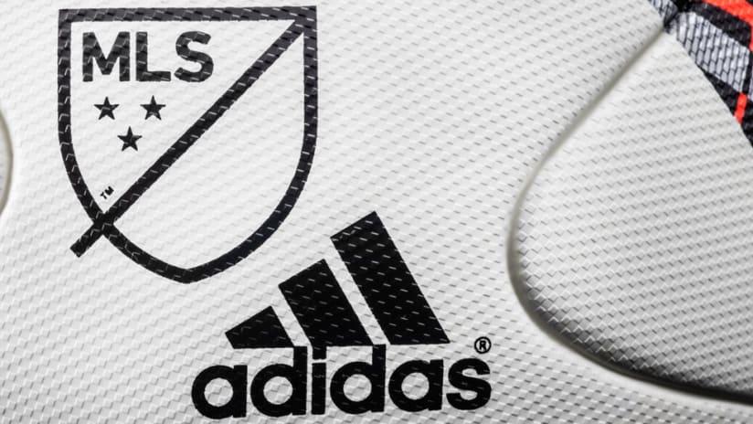 2016 MLS ball detail