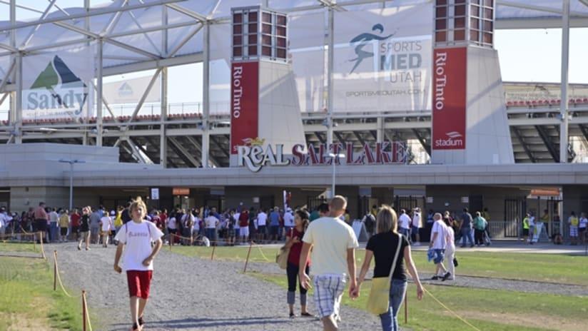 Rio-Tinto-Stadium_East-Lawn (620x350)