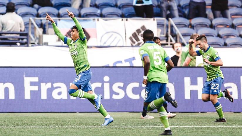 Xavier Arreaga celebrates goal vs. LAFC 2021-05-16  V2