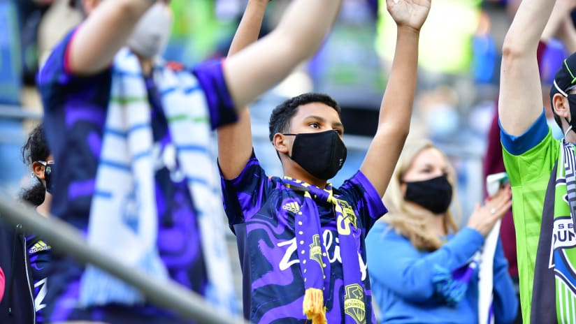 Masked Fans Boom Boom Clap