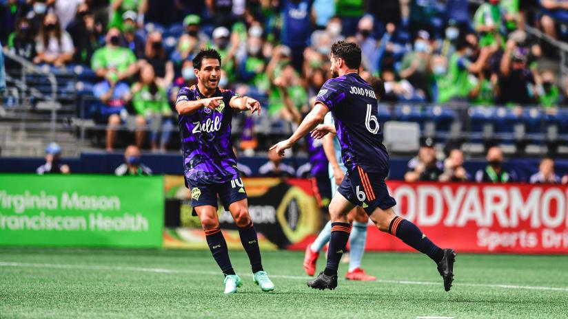 GOAL: João Paulo finishes off fantastic team goal