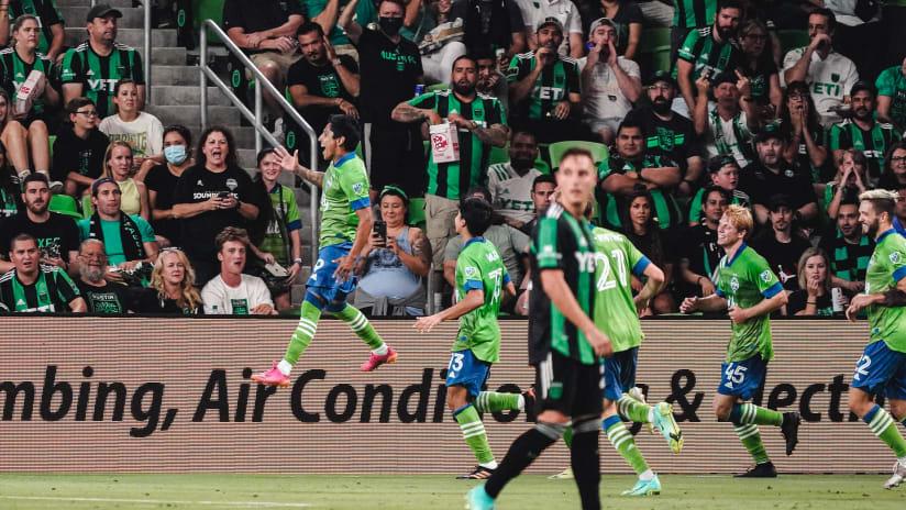 GOLAZO: Raúl Ruidíaz scores a stunner from 40 yards at Austin FC