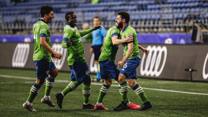 Joao Paulo celebrates goal 2021-04-16