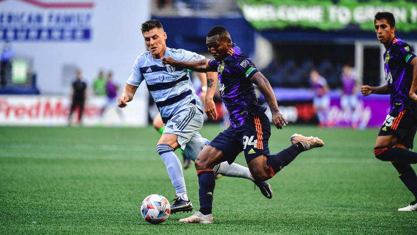 Seattle Sounders falter in 3-1 loss to Sporting Kansas City
