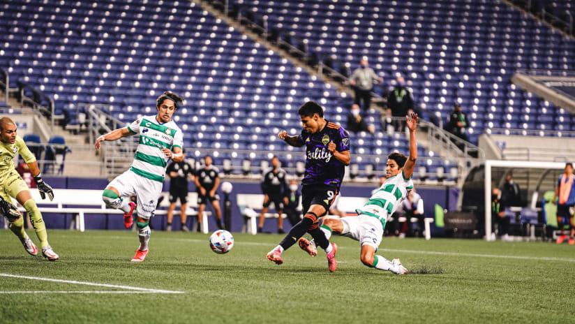 GOAL: Raúl Ruidíaz sends Seattle Sounders to Leagues Cup Final with last-gasp goal