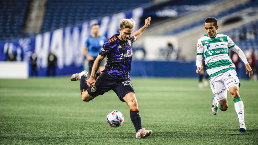 Kelyn Rowe discusses playing with his hometown team, fighting for trophies on ExtraTime Radio