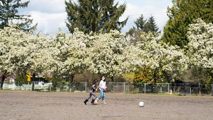 Sounders FC, RAVE Foundation and EarthGen team up to create greener spaces and healther communities at Seahurst and Hilltop Elementary Schools