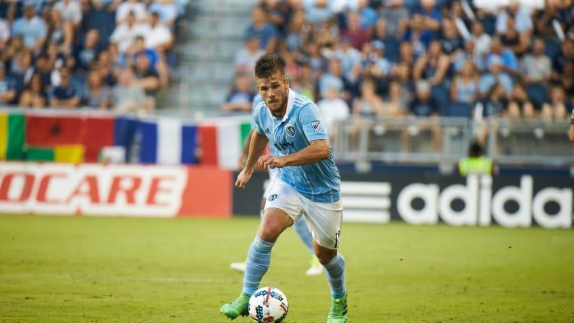 Diego Rubio dribbling - Sporting KC