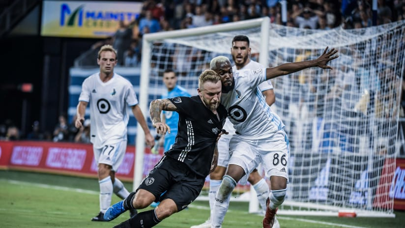 Johnny Russell dueling - Sporting KC vs. Minnesota United FC - Aug. 22, 2019