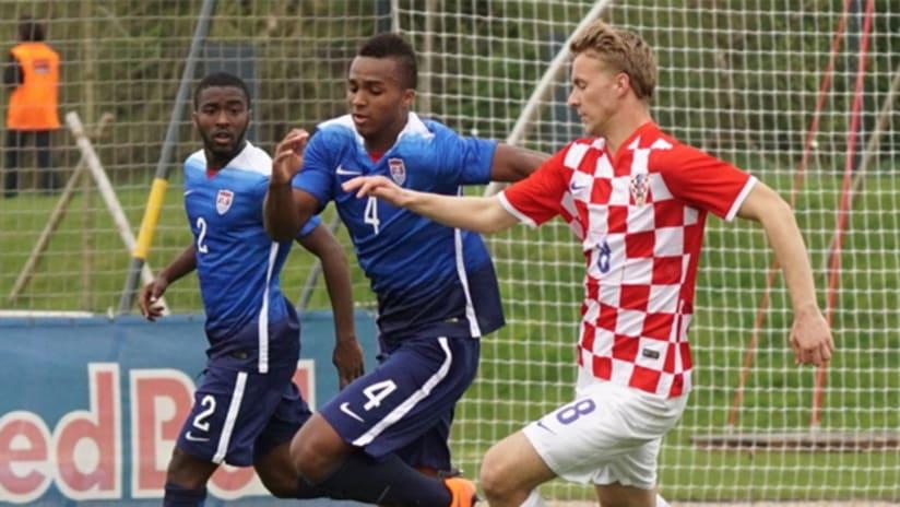 Erik Palmer-Brown vs Croatia with U.S. U-20's