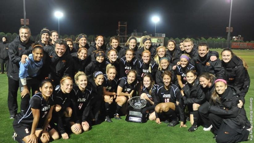 Neal Patterson with Oklahoma State soccer team
