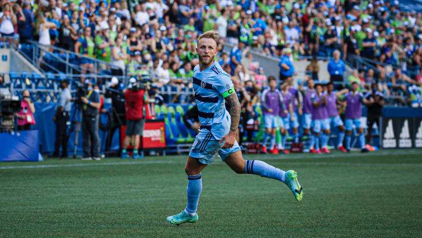 Great Scot: Johnny Russell up for MLS Goal of the Week