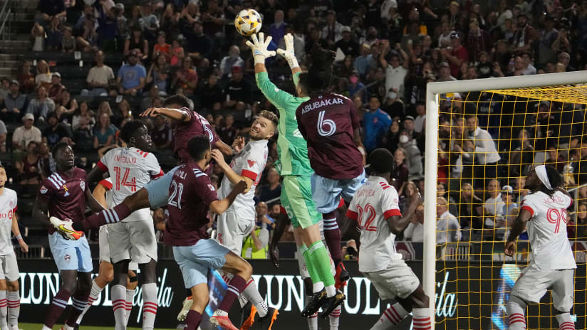 Reds battle for clean sheet, earn road point in Colorado