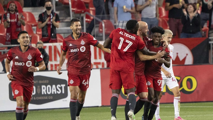 Altidore undergoes successful surgery on foot, Priso set for surgery on right ankle