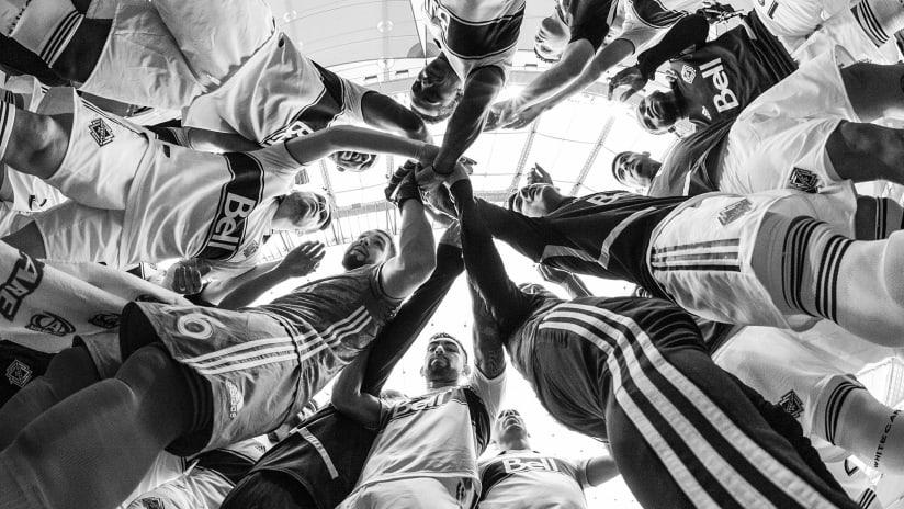 Huddle - black and white - 2019