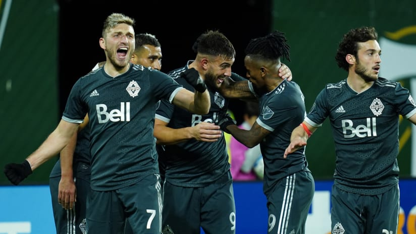 Must-see: Cavallini finishes great team goal