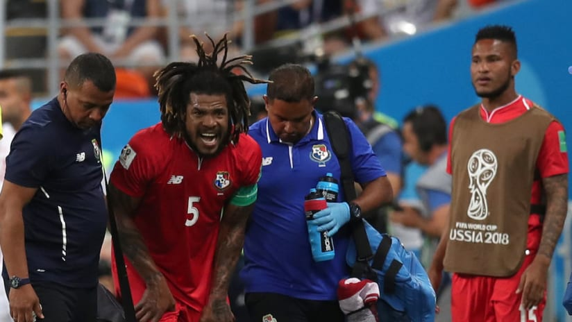 Roman Torres injured vs. Tunisia