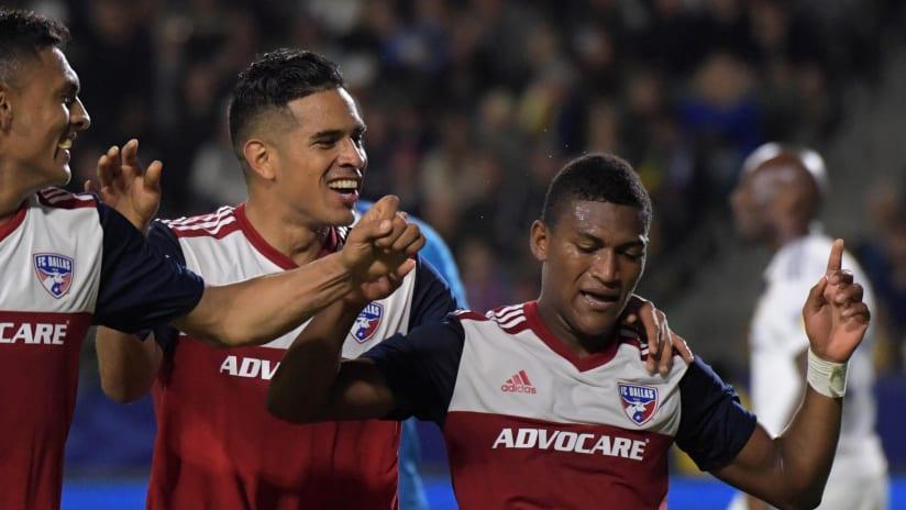 FC Dallas - celebrate Carlos Gruezo's goal