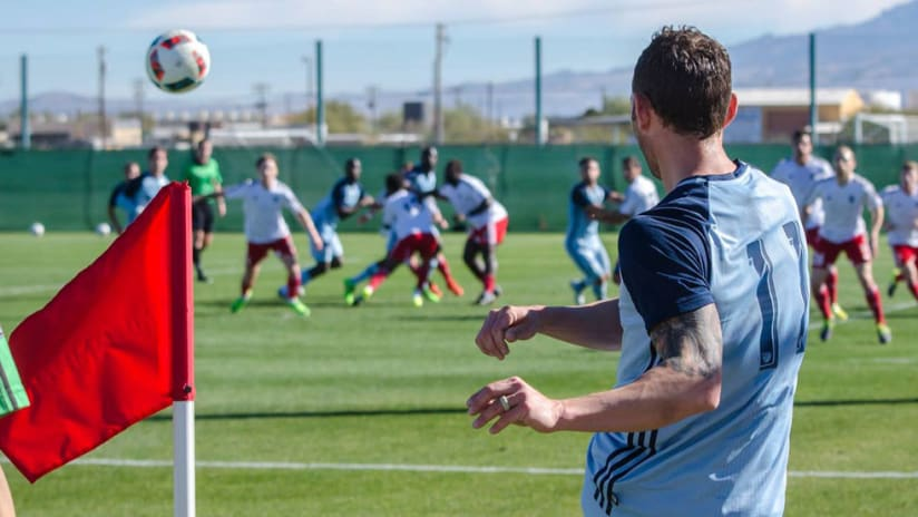 Brad Davis takes a corner for Sporting KC
