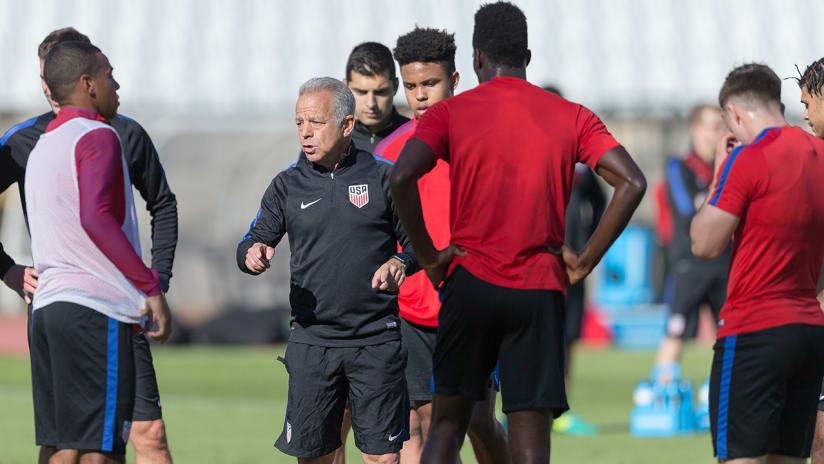 Dave Sarachan - US national team - training session as caretaker coach