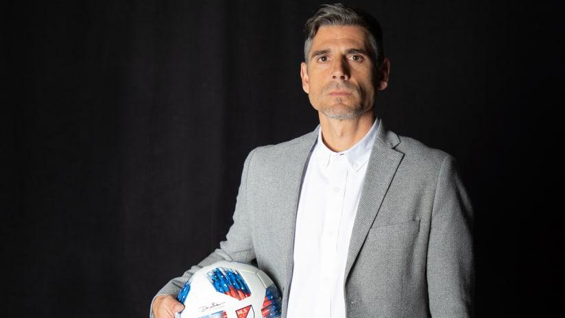 Luchi Gonzalez - FC Dallas head coach - portrait