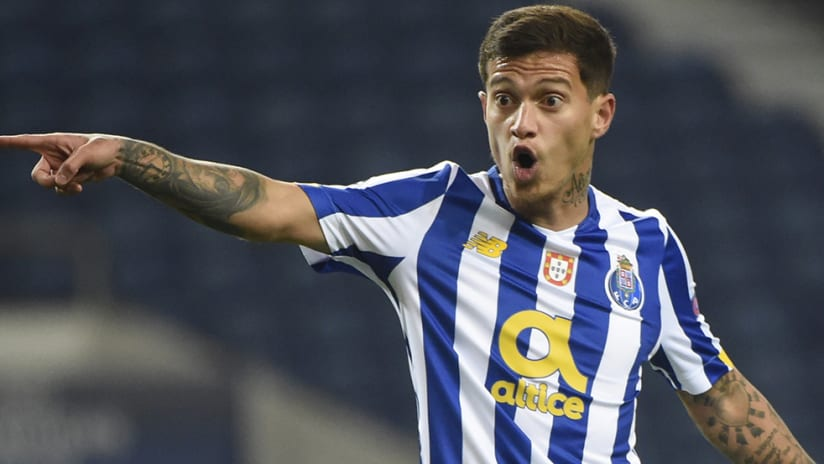 Otavio with FC Porto - Vancouver Whitecaps target