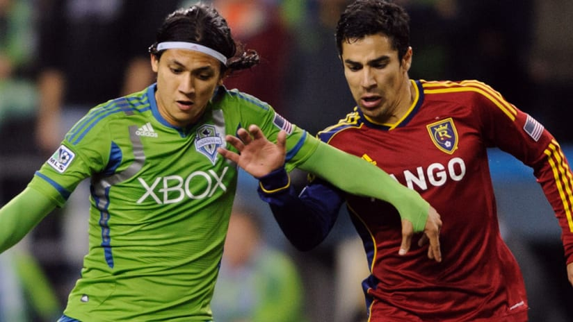 Fredy Montero - Seattle Sounders - dribble against Real Salt Lake