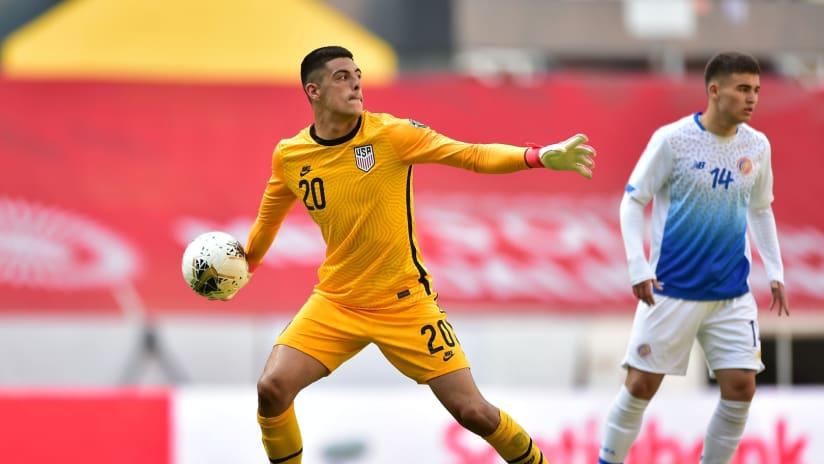David Ochoa - US U-23 v Costa Rica - throwing ball