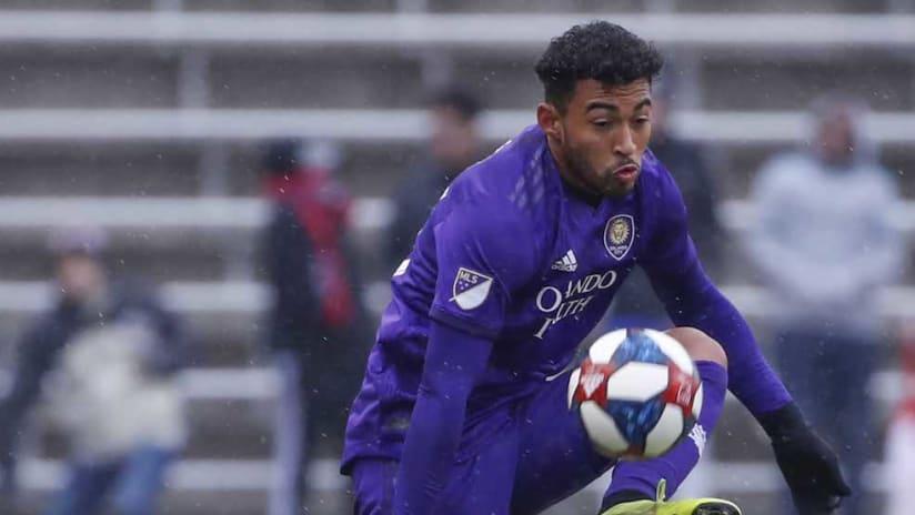 Danilo Acosta settles the ball
