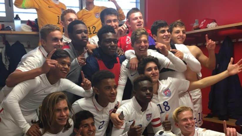 US U-17 national team - celebrating Tournament of Montaigu win, 2016