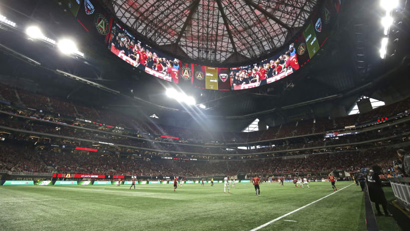 Mercedes-Benz Stadium - Atlanta United - field-level shot of crowd, roof