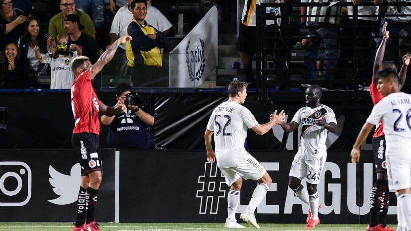 Emmanuel Boateng scores League Cup - LA Galaxy