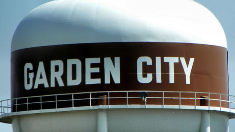 Garden City, water tower