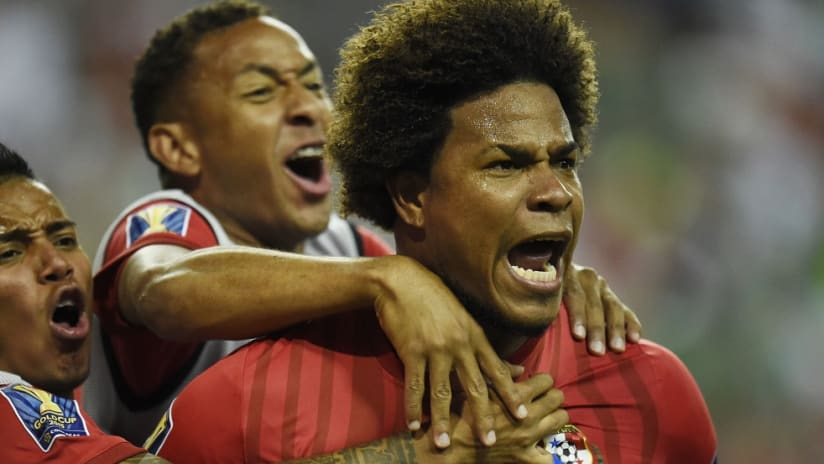 Roman Torres celebrates after scoring for Panama in 2015 Gold Cup