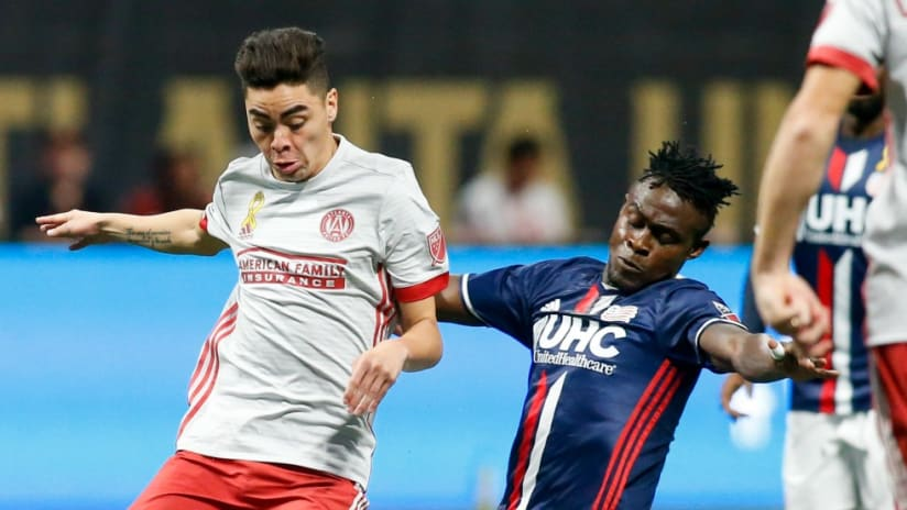 Miguel Almiron, Gershon Koffie - Atlanta United, New England Revolution - get physical over the ball