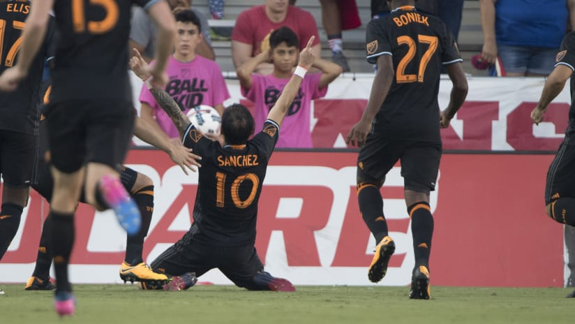 Vicente Sanchez - Goal Celebration - DALvHOU