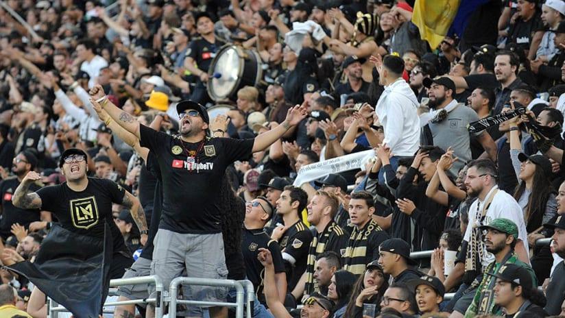 LAFC fans - 3252 - Capo